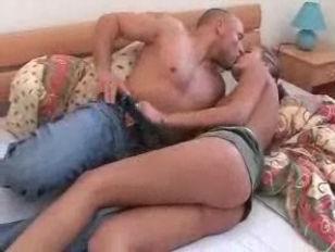 Porno daheim mit heißer Deutscher
