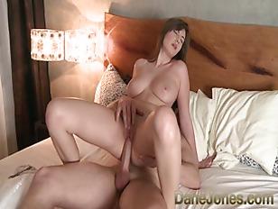 Dane Jones mit ihren wunderschönen natürlichen Titten macht geile Liebe #1